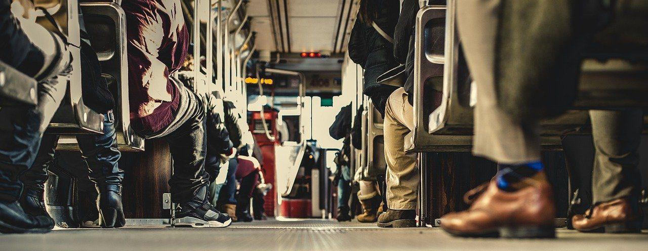 bus-690508_1280